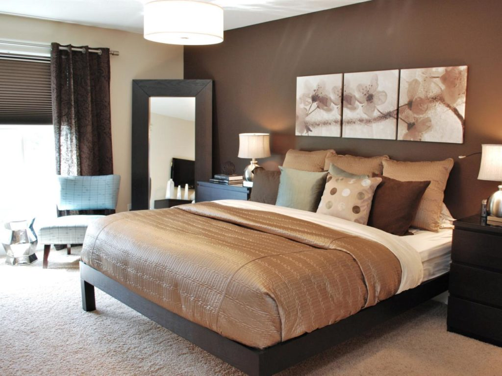 Как выбрать цветовую гамму для небольшой спальни